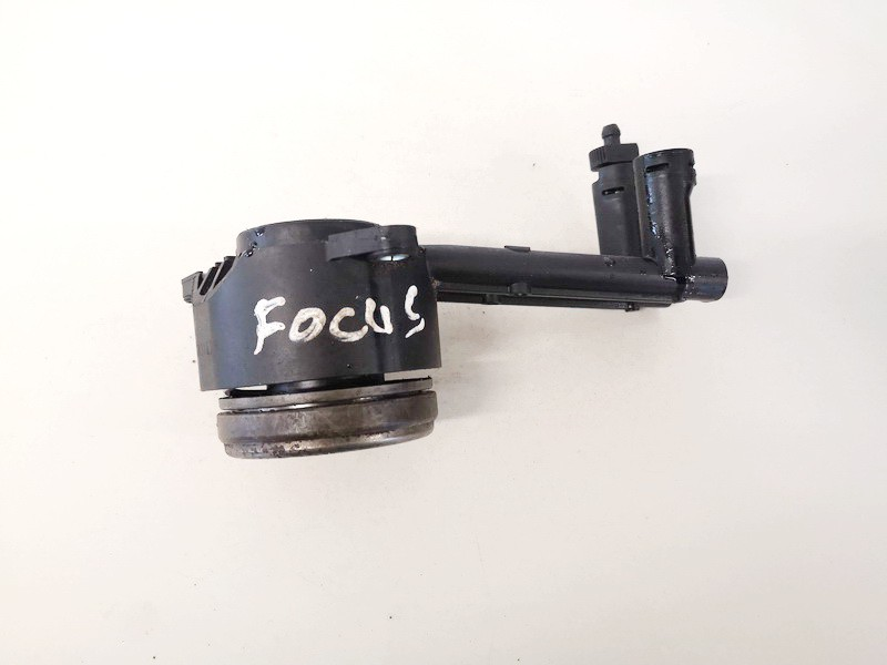 Sankabos isminamas guolis Ford Focus 2000    0.0 used