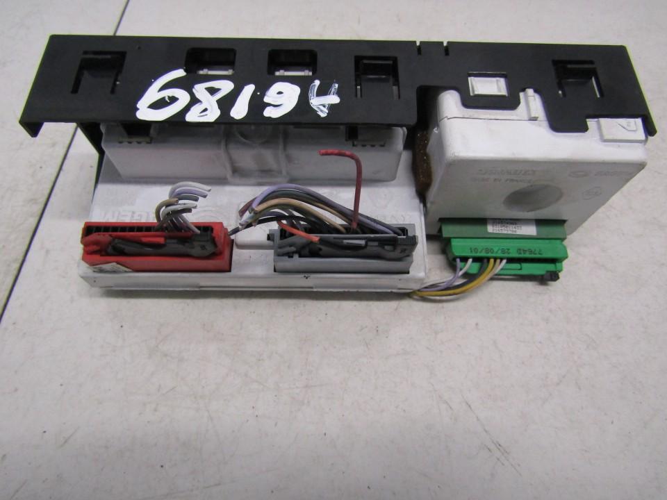 Dashboard Radio Display (Clock,Info Monitor,BORD COMPUTER) Renault Laguna 2002    1.9 P8200002604A