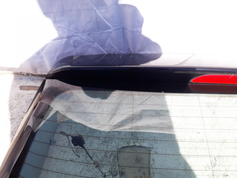 Galinio Dangcio spoileris su stop zibintu G. (kapoto) Volkswagen Golf 2006    1.9 USED
