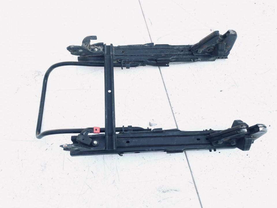 Sedynes spyna Nissan Almera Tino 2000    2.2 USED