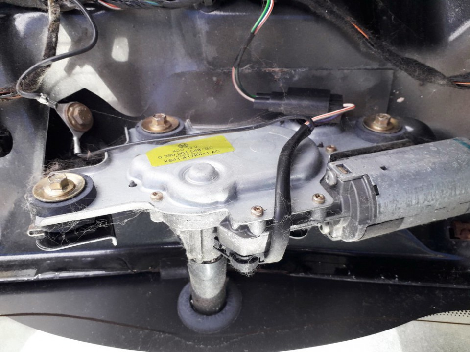 Rear wiper motor (Rear Screen Wiper Engine) Ford Focus 2001    2.0 0390201548