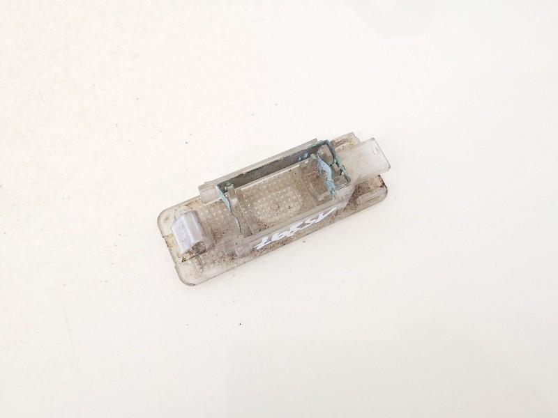 Salono lemputė BMW 5-Series 2000    3.0 63318363604