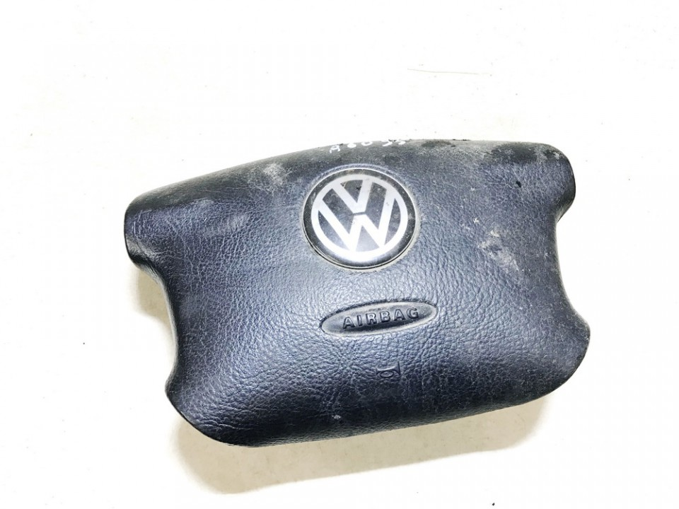 Vairo oro pagalve Volkswagen Passat 1998    1.8 3b0880201