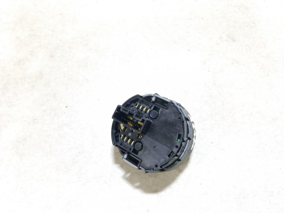 Sukibimo valdymo mygtukas Nissan X-Trail 2004    2.2 used