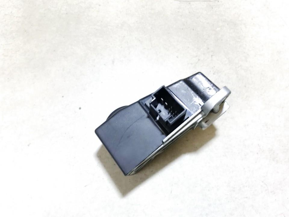 Vairo uzraktas Volkswagen Passat 2005    1.9 3c0905861j