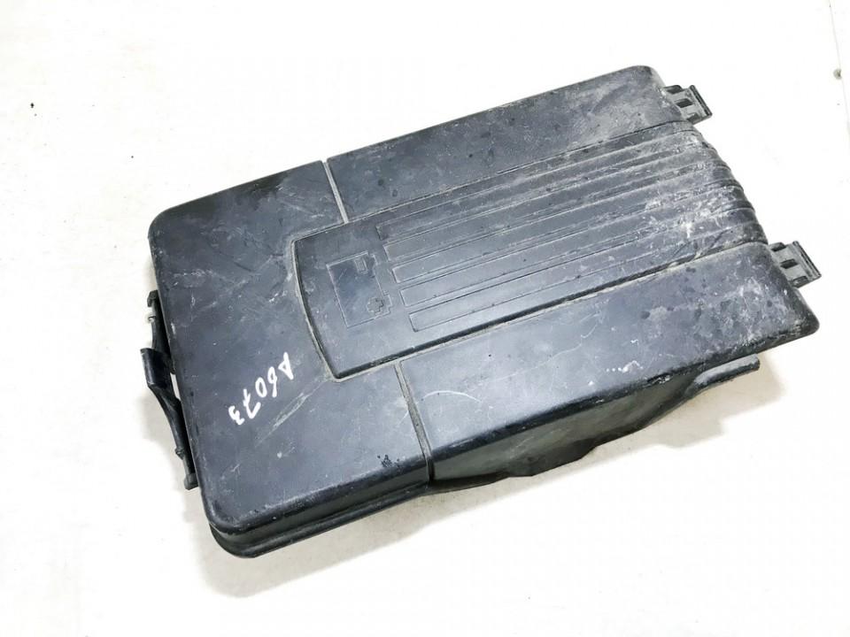 Baterijos - akumuliatoriaus dangtelis Volkswagen Passat 2005    1.9 1k0915443a