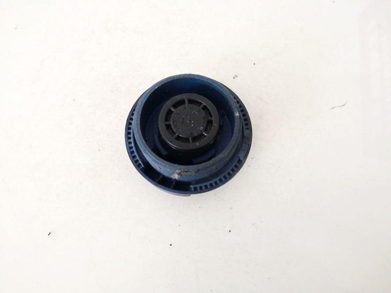 Dangtelis vandens radiatoriaus (dangtelis issipletimo bakelio) Volkswagen Golf 1999    1.9 1j0121321b