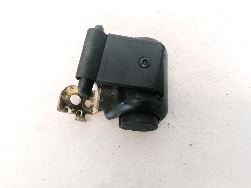 Saugos dirzas G. Vidur. Volkswagen Passat 1997    1.9 3B0857813A