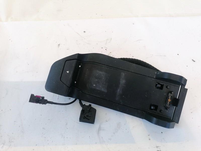 Automobilio Telefonas BMW 3-Series 2008    2.0 8410916093502