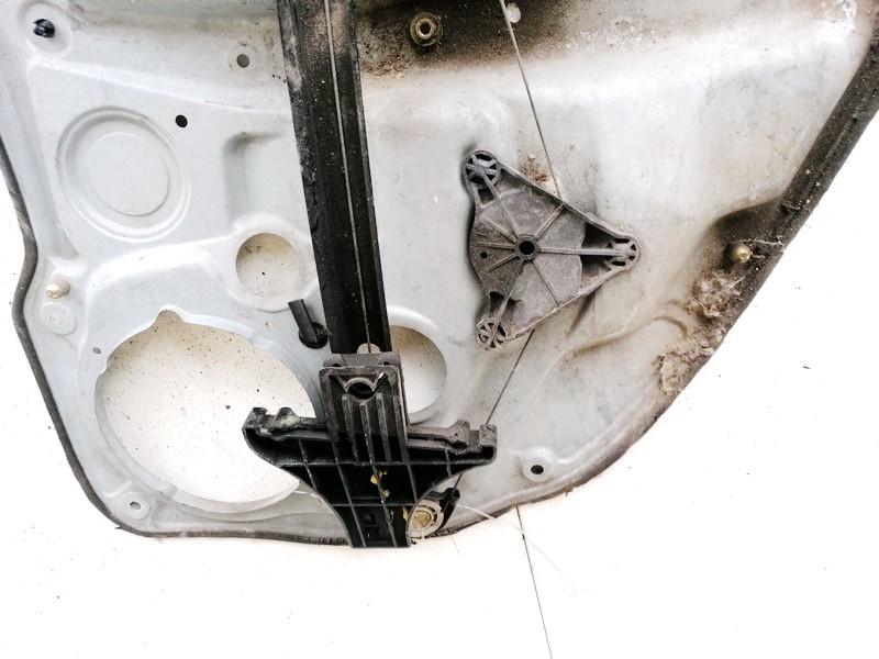 Duru lango pakelejas G.K. Volkswagen Golf 2001    0.0 1j4839729g