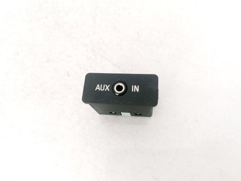 USB-AUX-Ipod jungtys BMW 5-Series 2006    3.0 6131698679102
