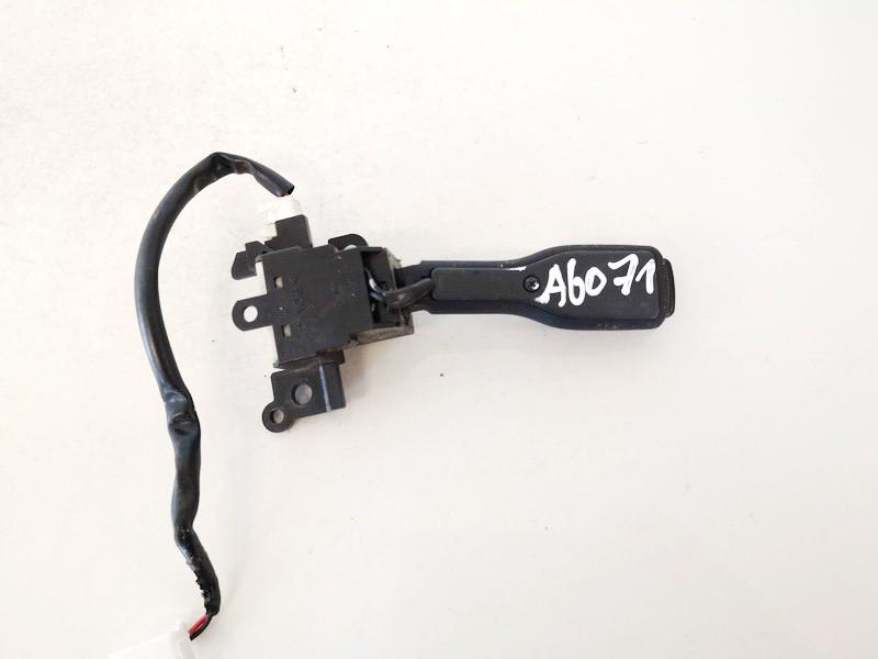 Autopiloto rankenele Toyota Avensis 2011    2.0 18a174