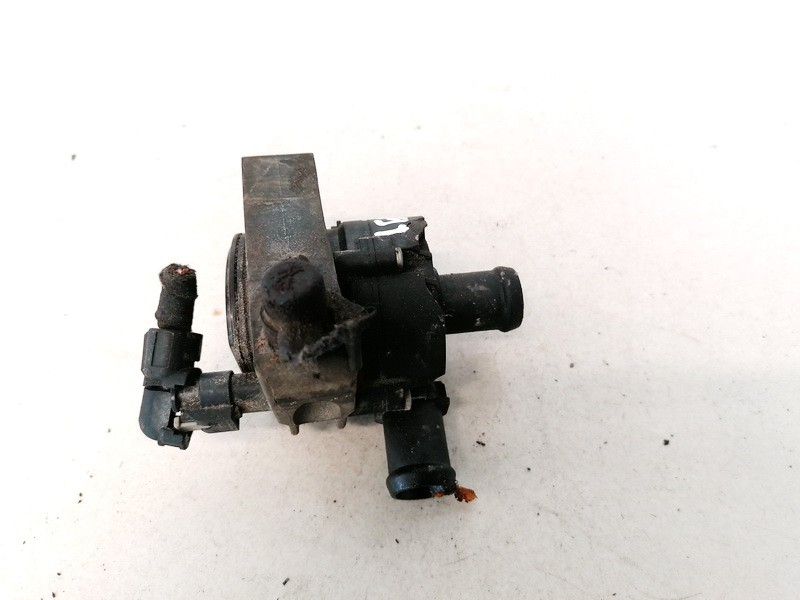 Papildomas elektrinis vandens siurbliukas (Vandens cirkuliacinis siurblys) Volkswagen Golf 2013    1.2 0392023211