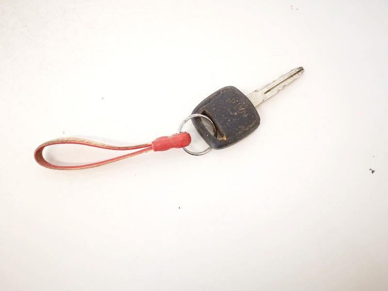 Uzvedimo raktas Nissan Navara 2001    2.5 used