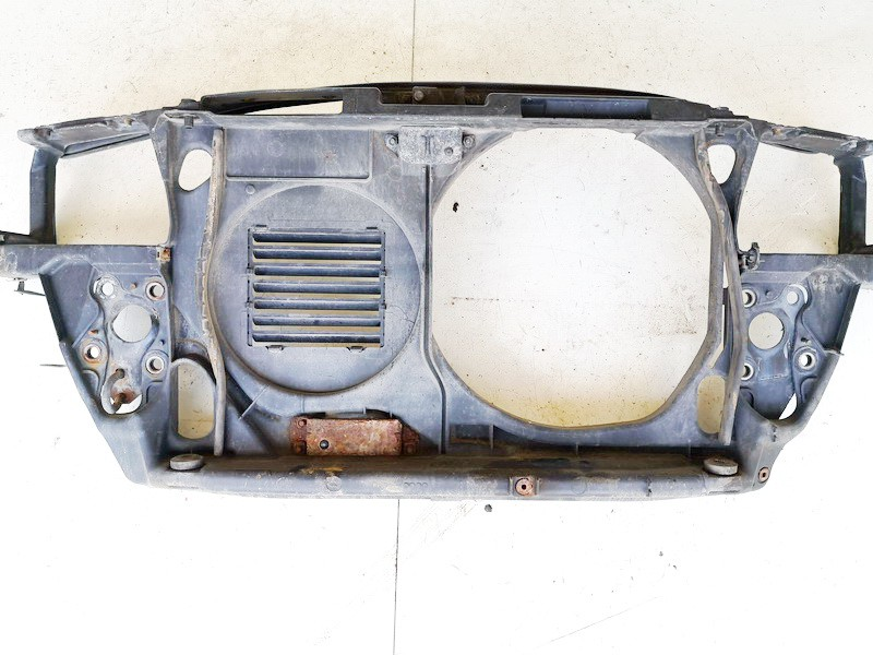 Televizorius (remas) P. Audi A4 1996    1.6 4a0010114s
