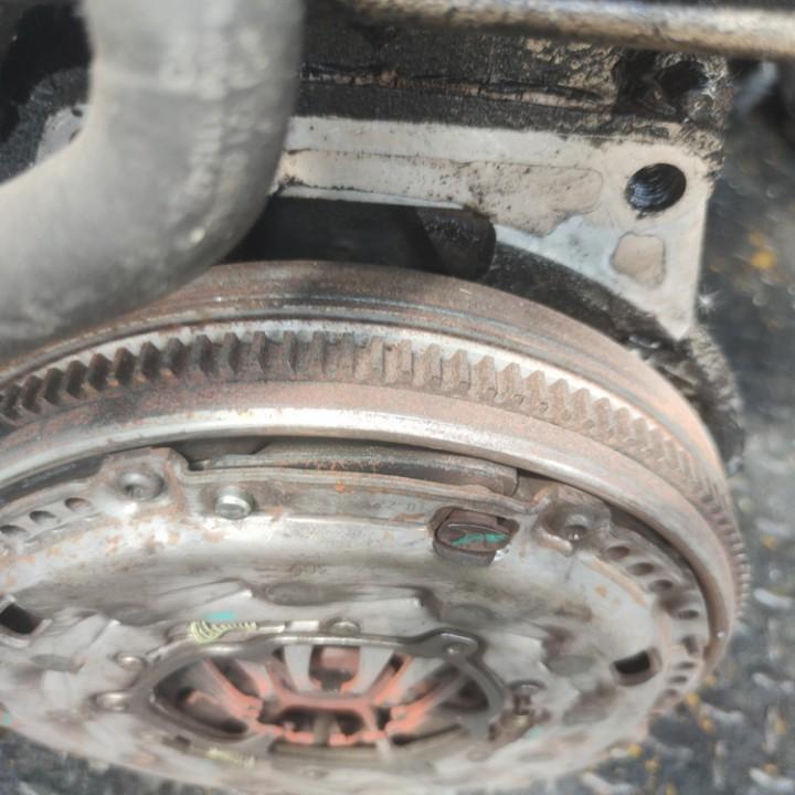Sankabos komplektas Volkswagen Passat 2005    1.9 5H31I