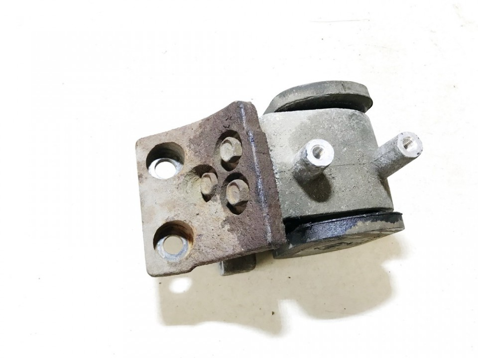 used used Engine Mounting and Transmission Mount (Engine support) Hyundai Getz 2004 1.3L 9EUR EIS01111615