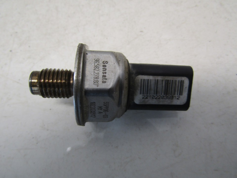 FUEL RAIL HIGH PRESSURE SENSOR Citroen C5 2004    2.0 9658227880