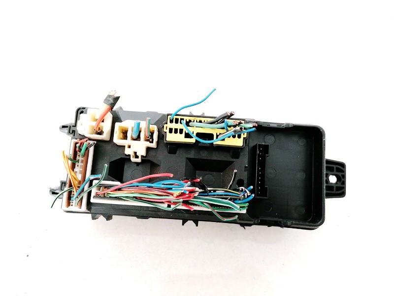 Saugikliu deze Mitsubishi Carisma 2003    1.9 MR318828