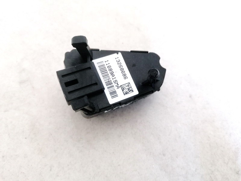 Papildomi vairo mygtukai Opel Insignia 2010    2.0 13268686