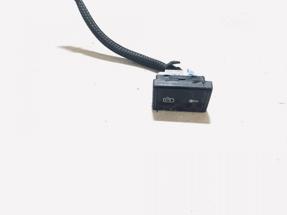Duru uzrakto mygtukas Skoda Fabia 2010    1.2 5j0962125