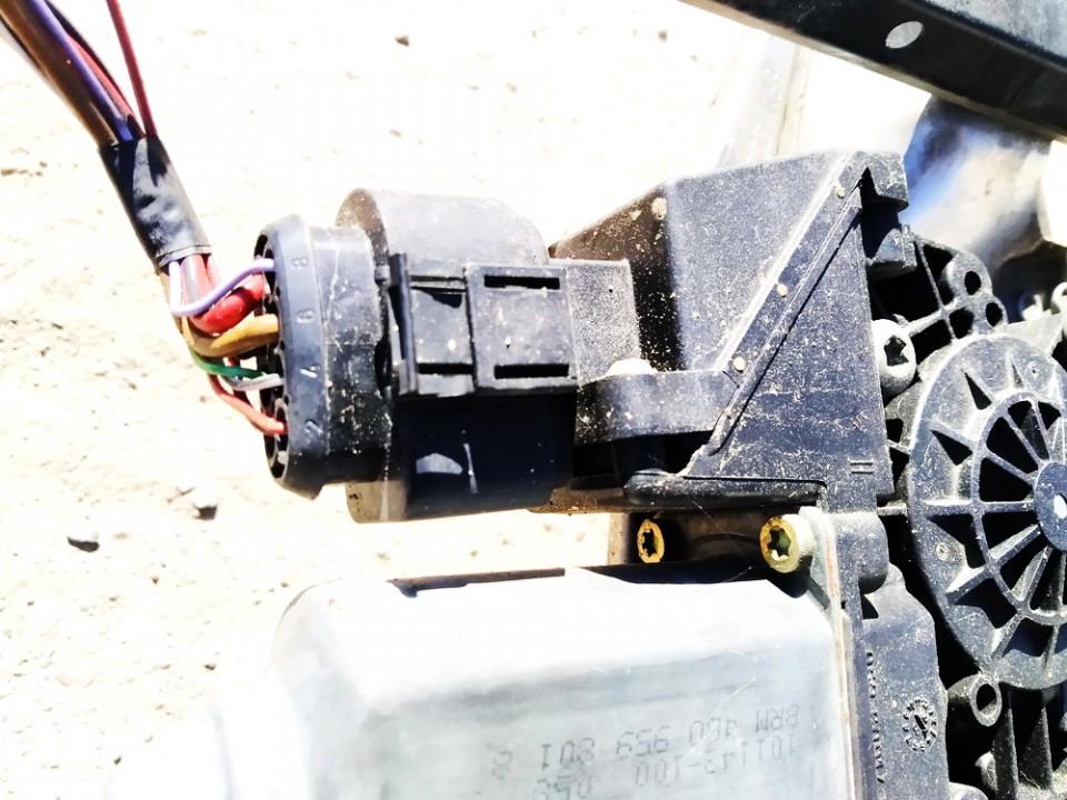 Duru lango pakelejo varikliukas G.K. Audi A6 1998    2.5 114184101