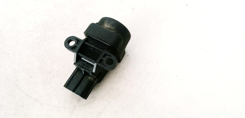 Inertia fuel cut off switch (FUEL CUT OFF SWITCH) Honda Jazz 2005    1.4 040719A6