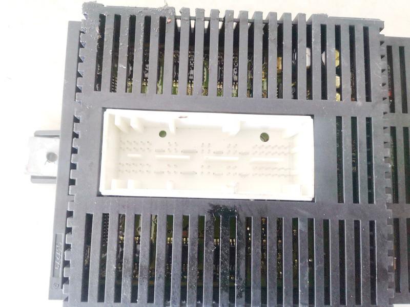 Sviesu valdymo blokas BMW 5-Series 2005    2.0 6983536