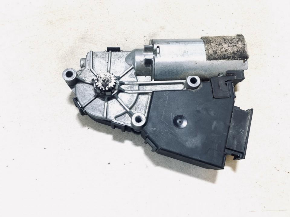 Liuko varikliukas Audi A8 2004    4.0 4e0959591