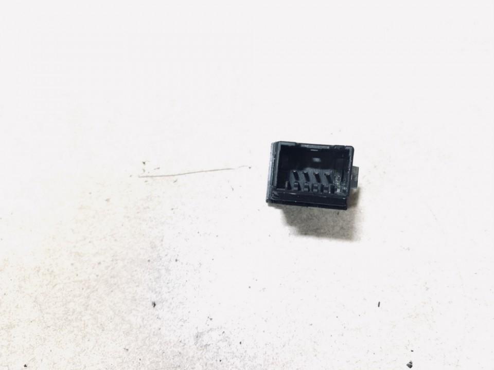 Sedyniu sildymo mygtukas Skoda Fabia 2001    1.4 6y0953564a