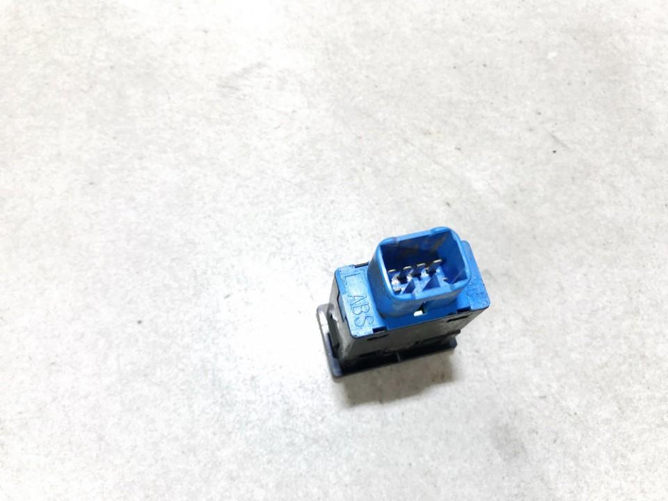 Sedyniu sildymo mygtukas Toyota RAV-4 2002    2.0 used