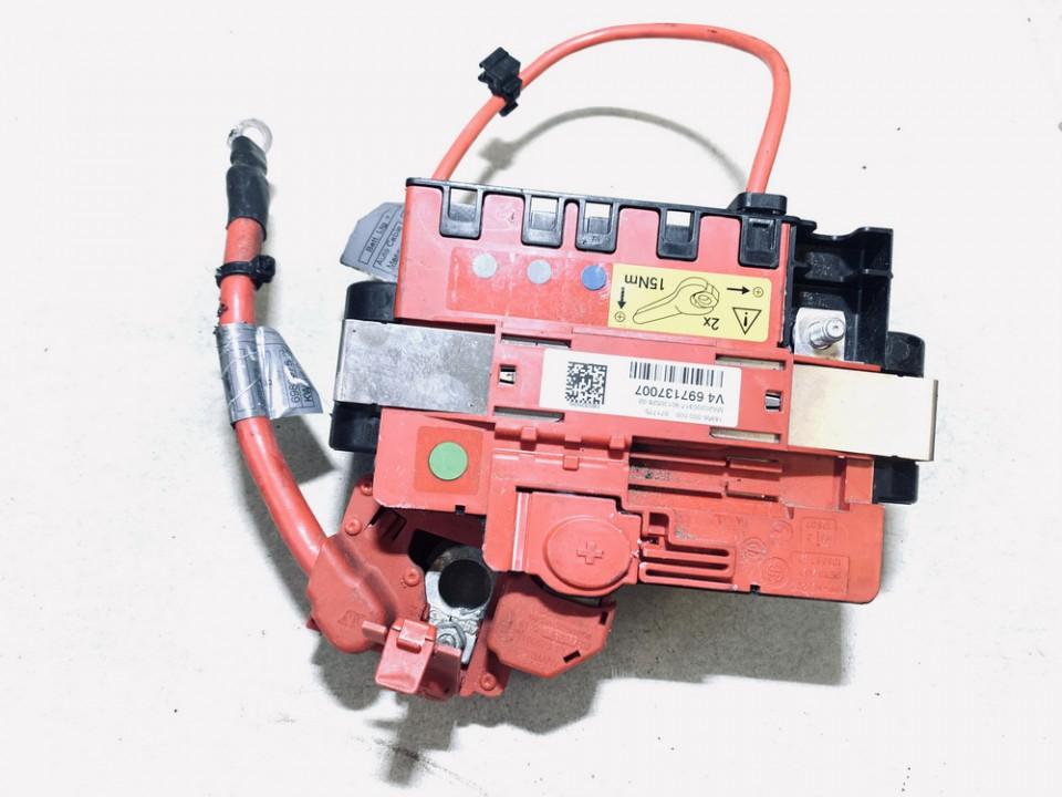 battery terminal BMW 1-Series 2006    2.0 10688710