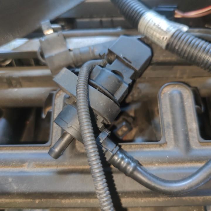 Vakuumo voztuvas BMW 5-Series 2003    2.2 1433602