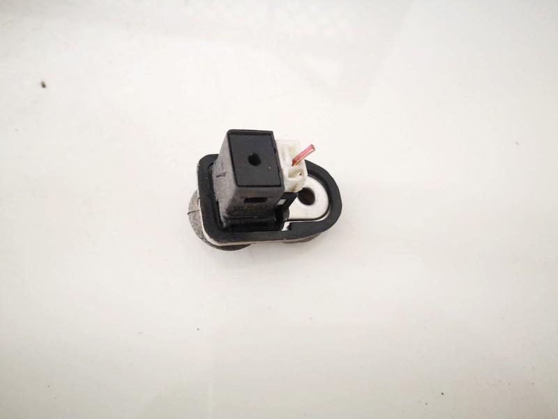 Duru kontaktai - desine Nissan Almera 2005    1.5 used