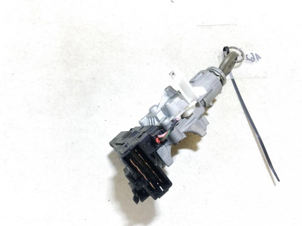 Uzvedimo spyna Chrysler Voyager 1999    3.3 4690199ac