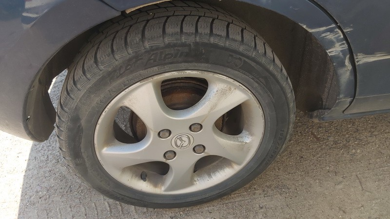 Lietu ratu komplektas R15 Mazda 2 2005    1.4 used