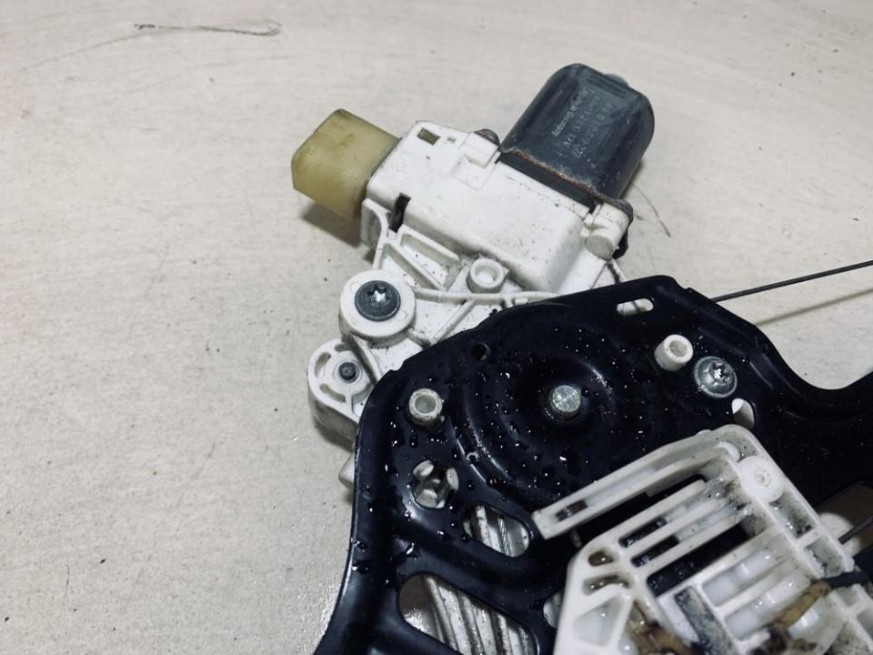 Duru lango pakelejo varikliukas P.K. BMW 1-Series 2006    2.0 0130822227