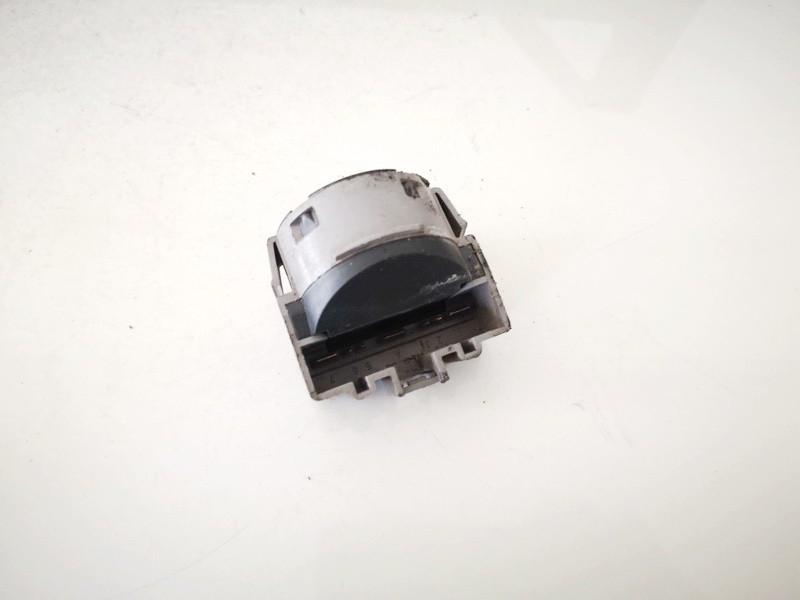 Uzvedimo spynos kontaktine grupe Ford Focus 1999    0.0 98ab11572bg