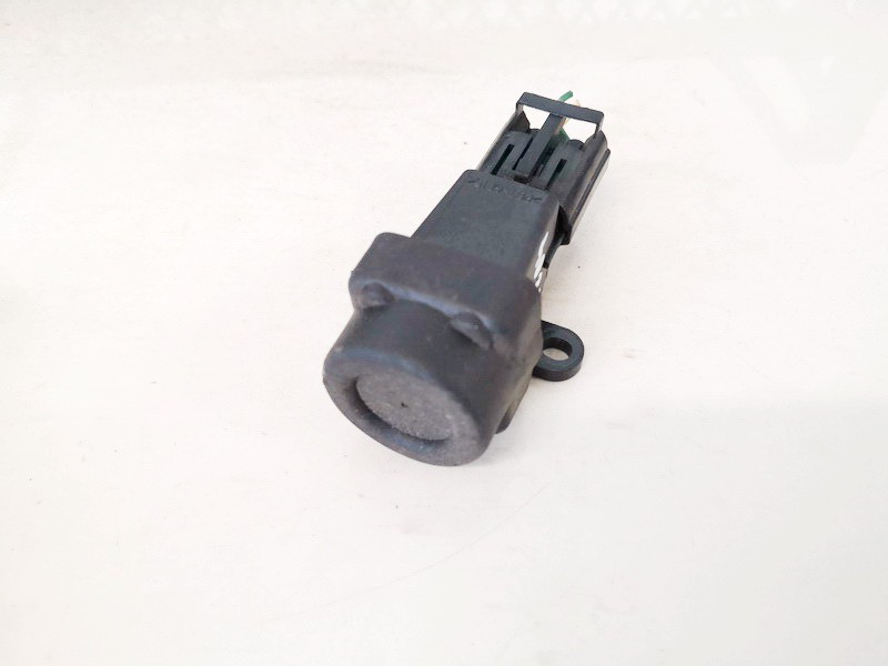 Inertia fuel cut off switch (FUEL CUT OFF SWITCH) Honda CR-V 2008    2.2 w0t100030