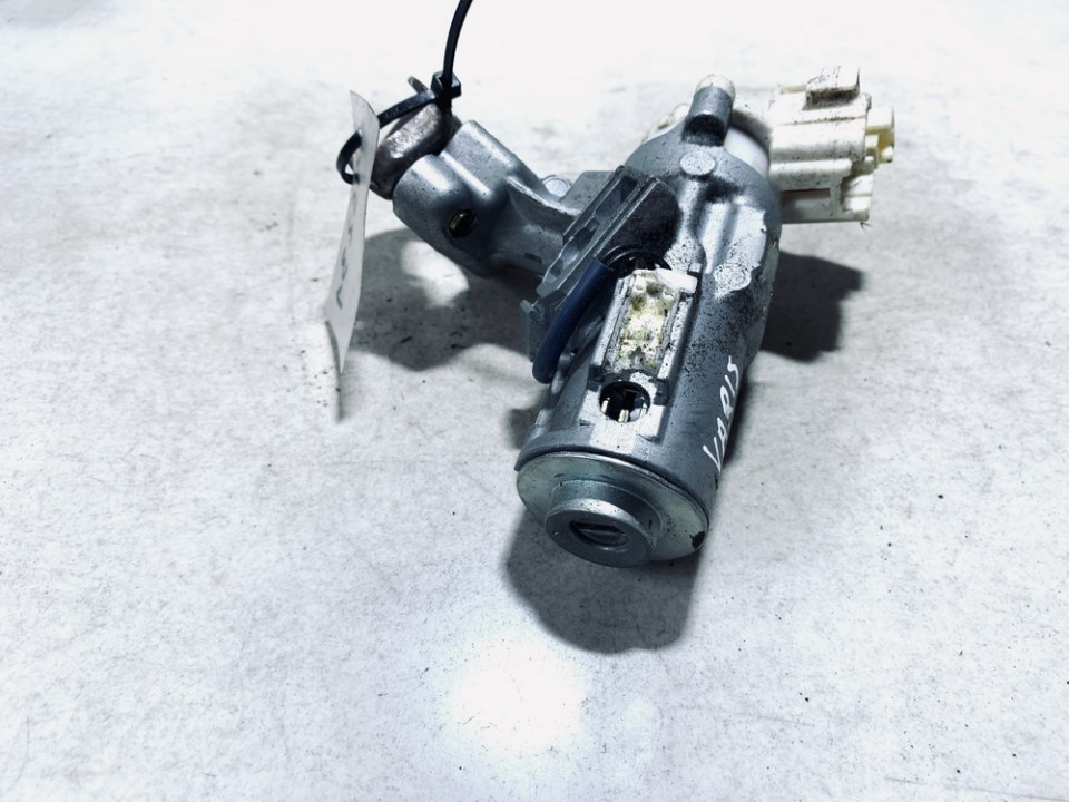 Uzvedimo spynos kontaktine grupe Toyota Yaris Verso 2001    1.4 45020521