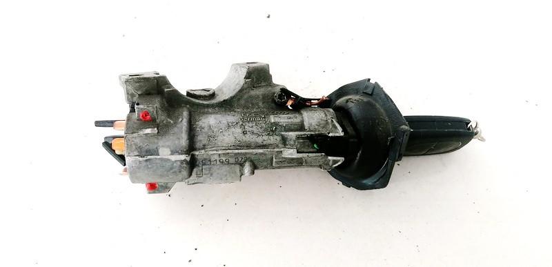 Uzvedimo spyna Audi A3 2000    1.9 4B0905851C