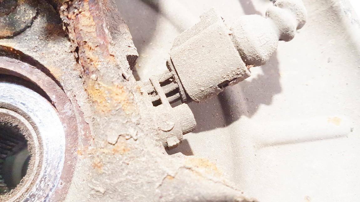 ABS daviklis P.D. Skoda Octavia 2011    1.6 used