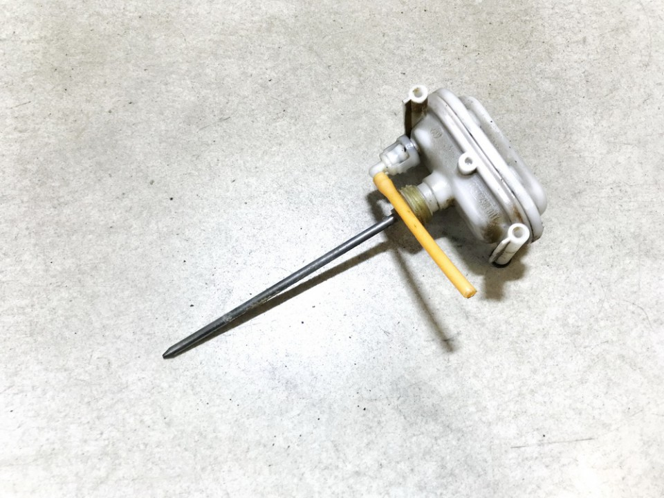Duru uzrakto vakuumine pompele Volkswagen Vento 1995    1.9 1h0862160a
