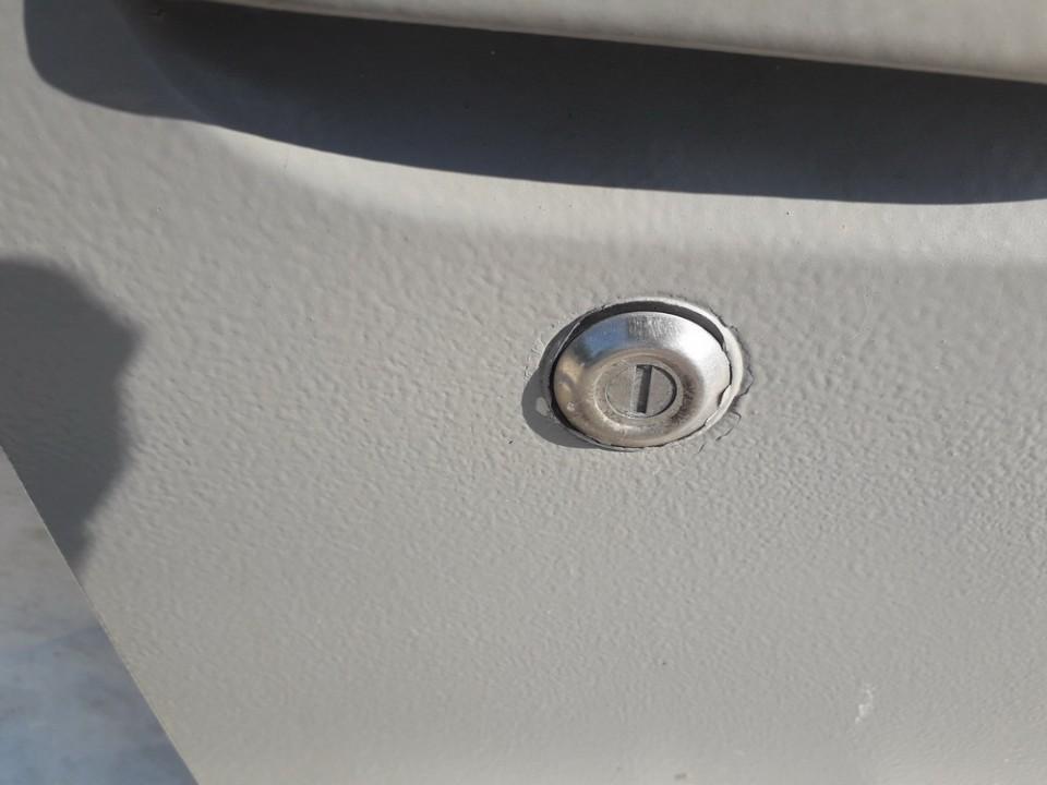 Duru spynele (sirdele) Toyota Yaris Verso 2001    1.3 USED