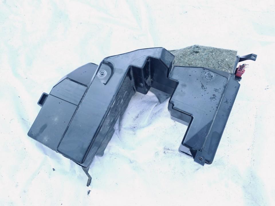 Loudspeaker (Subwoofer) Audi A4 2000    1.9 8d9035381c