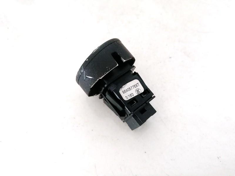 Door central locking lock switch control (DOOR LOCK SWITCH) Citroen C3 2003    1.4 96405778XT