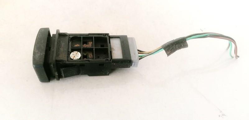 Zibintu apiplovimo mygtukas Mazda 5 2006    2.0 15A468