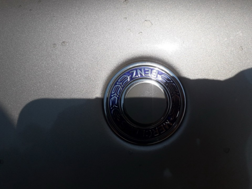 Priekinis zenkliukas (Emblema) Mercedes-Benz C-CLASS 2000    2.2 USED
