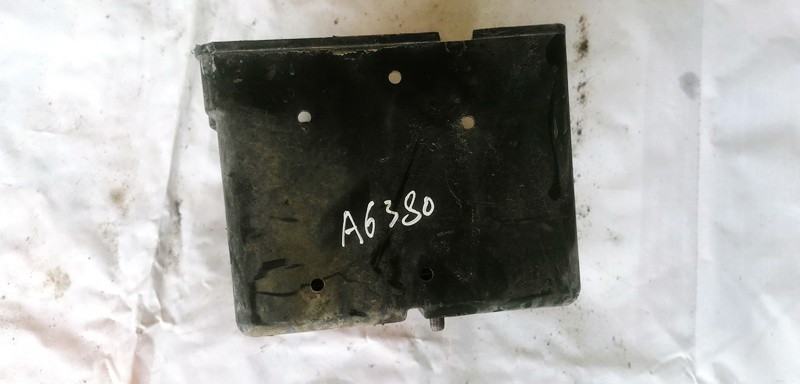 Battery Boxes - Trays Peugeot Partner 2001    1.9 USED