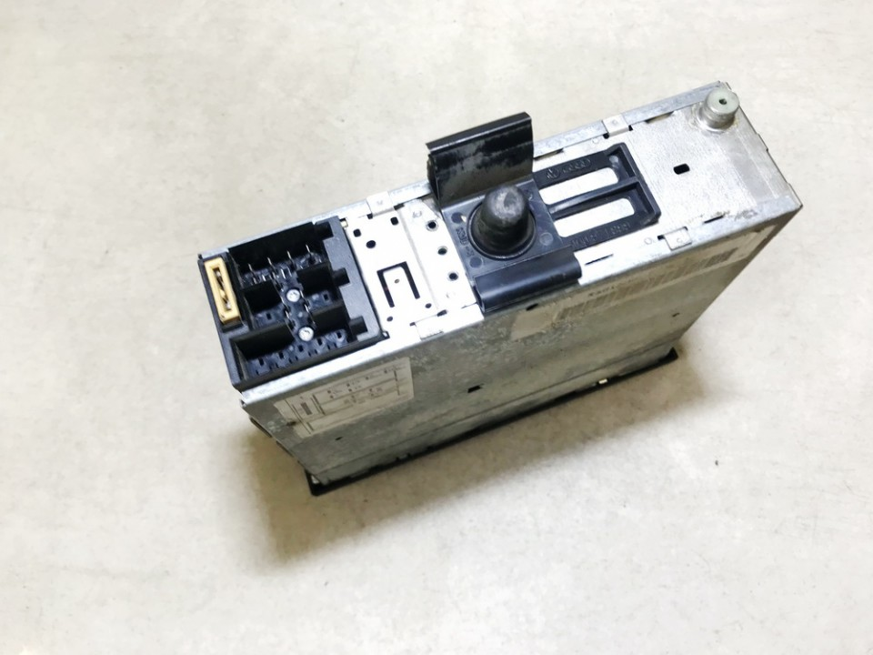 Automagnetola Volkswagen Vento 1995    1.9 1h0035156a